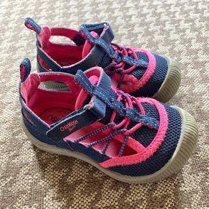 Osh Kosh waterproof closed toe sandals